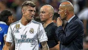 1792_Kroos-Zidane