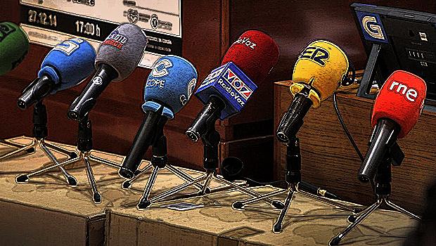 1819_Microfonos-Radios